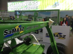 Agritechnica: Grass mowing world record in Polish hands