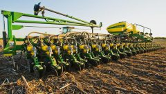 Delay to John Deere deal with Monsanto