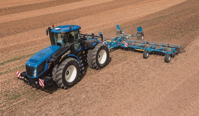 First New Holland T9 with CVT in the UK