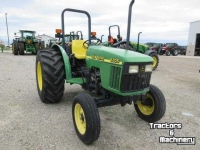 Tracteurs John Deere 5205 2WD UTILITY SYNCHRO TRACTOR FOR SALE ONTARIO