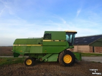 Moissonneuse batteuse John Deere 1085