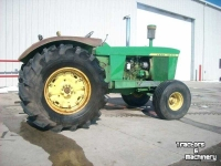 Tracteurs John Deere 5010 2WD MANUAL TRANSMISSION TRACTOR MN USA