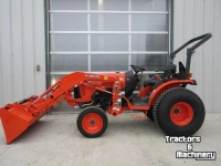 Tracteurs Kubota B2650 4WD OPEN STATION HYDRO COMPACT LOADER TRACTOR ONTARIO