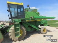 Moissonneuse batteuse John Deere 4420 2WD LEVEL LAND COMBINE ONTARIO