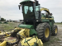 Ensileuse automotrice John Deere 6850 4WD SPFH FORAGE HARVESTER IL USA