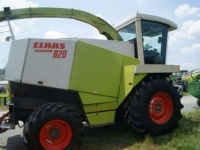 Ensileuse automotrice Claas Jaguar 820 W/6 Row Corn Head, 10' Pick Up