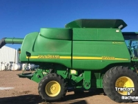 Moissonneuse batteuse John Deere 9760 STS 2WD CORN BEAN COMBINE CO USA